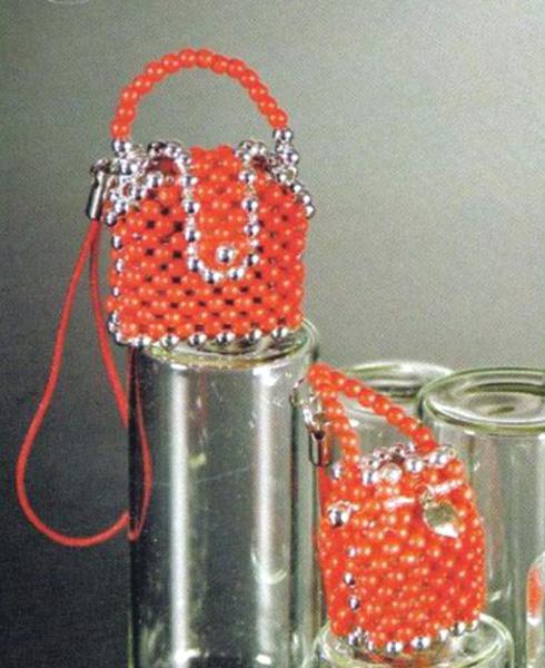Миниатюрные бисерные сумки. Схемы